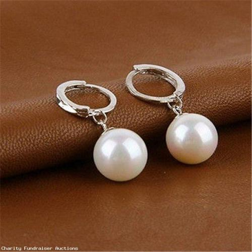 Beautiful Pearl Earrings - Silver